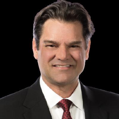 Brian Henderson Headshot, vicepresidente ejecutivo, gerente de Inversiones